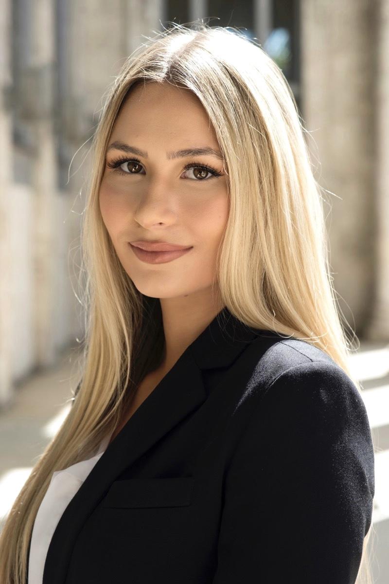 Headshot of Hanna Webb
